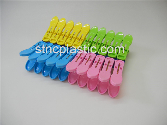 CLOTHES PEGS 20PCS